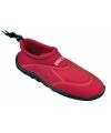Rode heren surf en waterschoenen